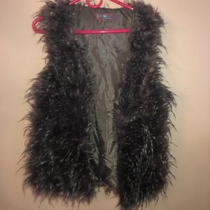 Selfie Coulture size Small Gray Feather Like Vest